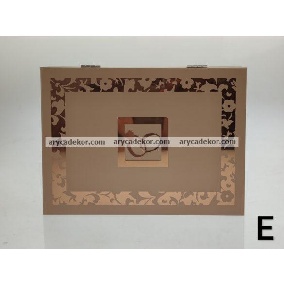Ékszerdoboz mintával 19x14 cm