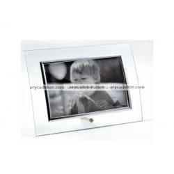 Fekvő hajlított üveg képkeret ezüst szegéllyel 9x13 cm