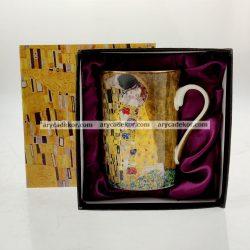 Porcelán bögre Klimt mintával, belül lila díszcsomagolásban 300 ml