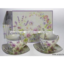 Levendulás porcelán csészék kiskanállal, díszdobozban.