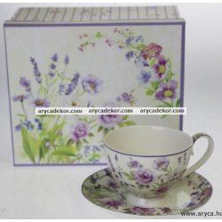 Levendulás porcelán csésze és csészealj.