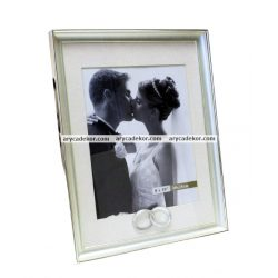 Esküvői fém képkeret paszpartuval 20x25 cm