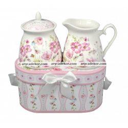 Porcelán tejszín és cukortartó díszdobozban